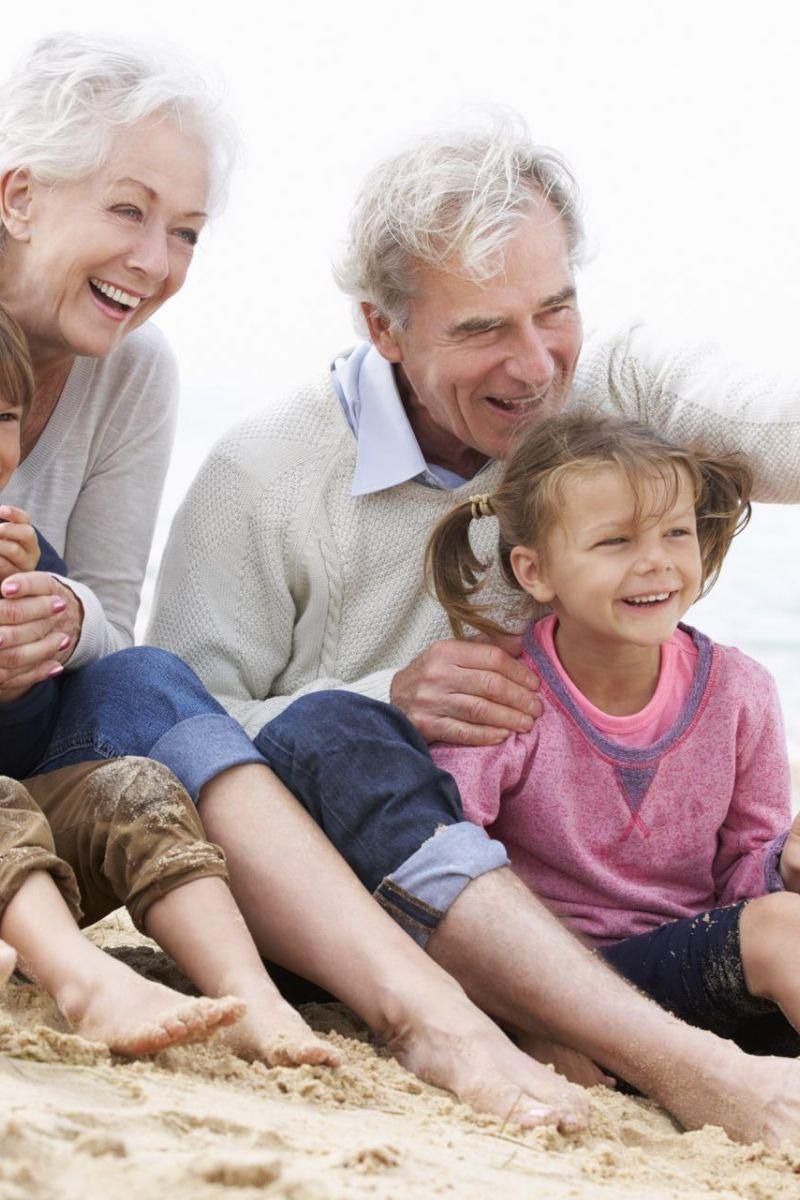 Nonni e nipoti al mare